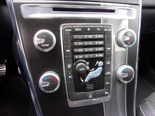Volvo XC60 2,0 D4 FWD R-DESIGN